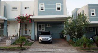 Casas en venta en Brisas del Golf norte